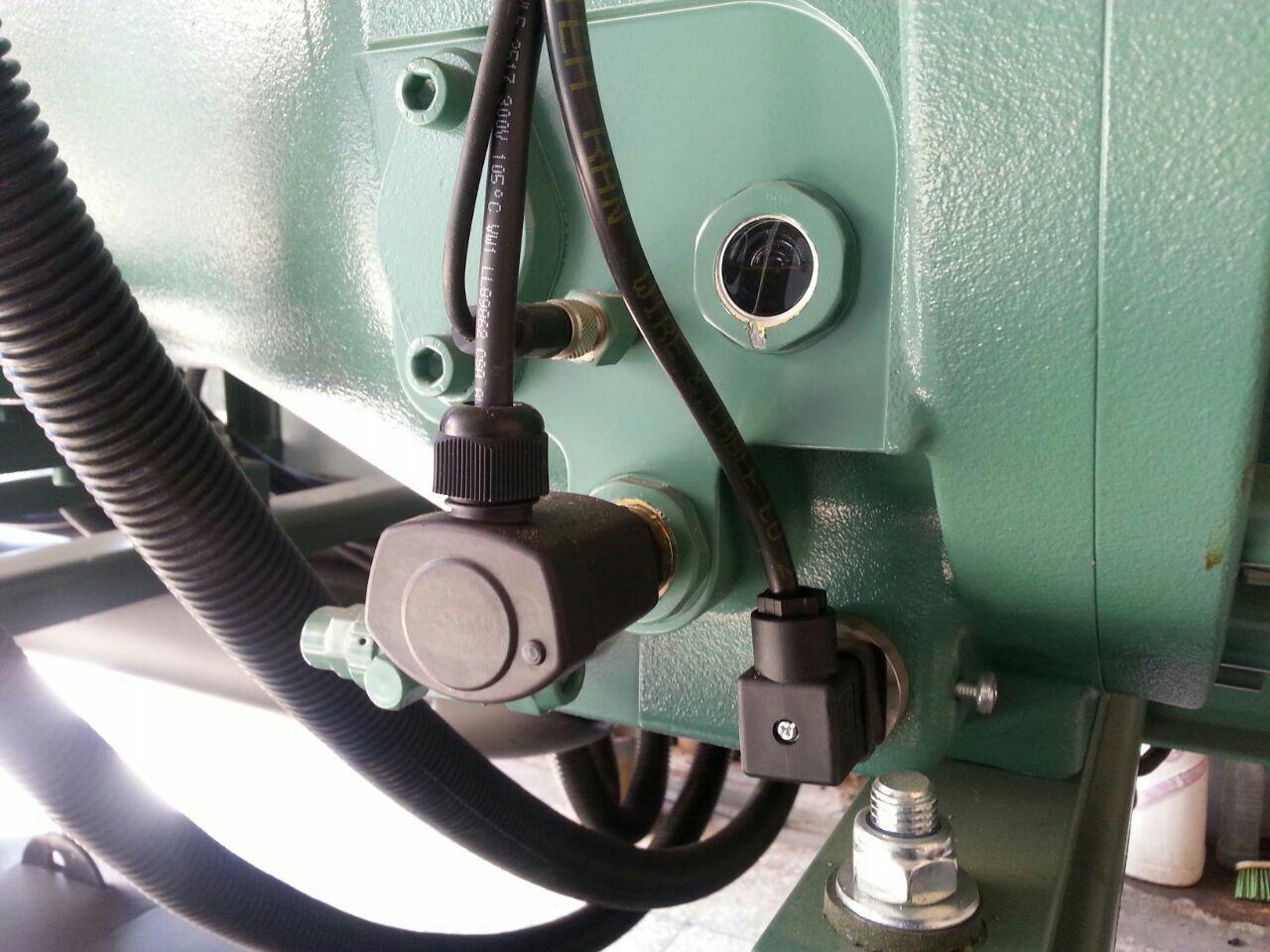 کنترل سطح روغن کمپرسور اسکرو